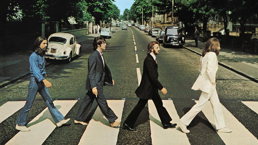 The Beatles en la calle Abbey Road.