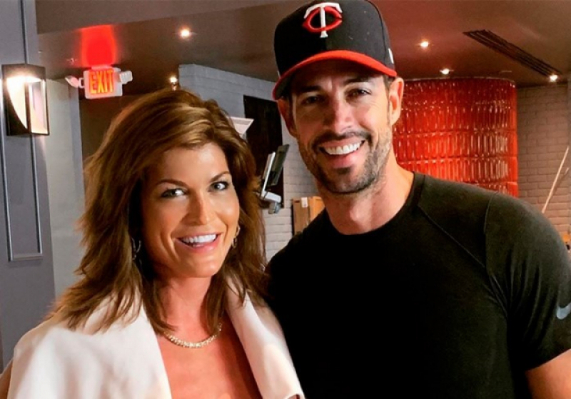 Debra Hook y William Levy.