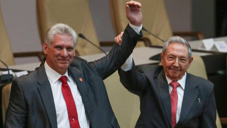 Miguel Díaz-Canel y Raúl Castro.