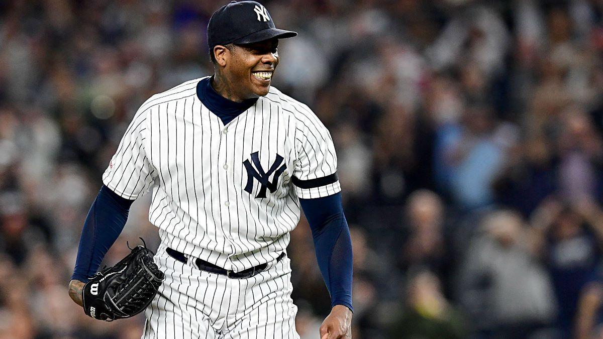 Aroldis Chapman se queda con los Yankees por tres años más