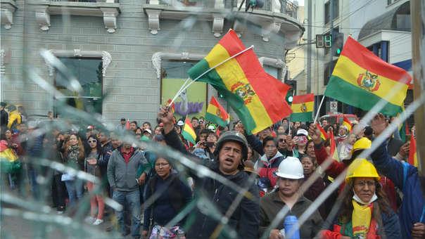 Opositores a Evo Morales en La Paz, este sábado.