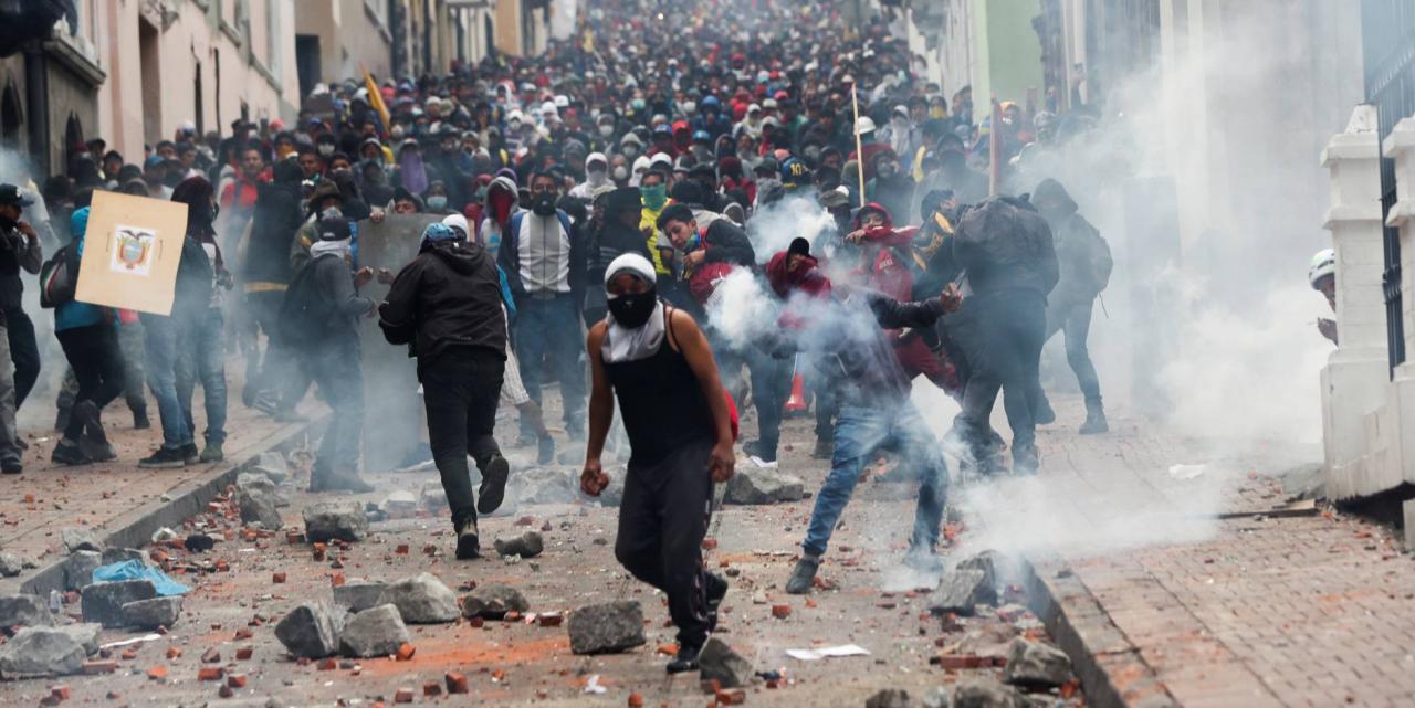 Protestas durante la huelga general en Ecuador.