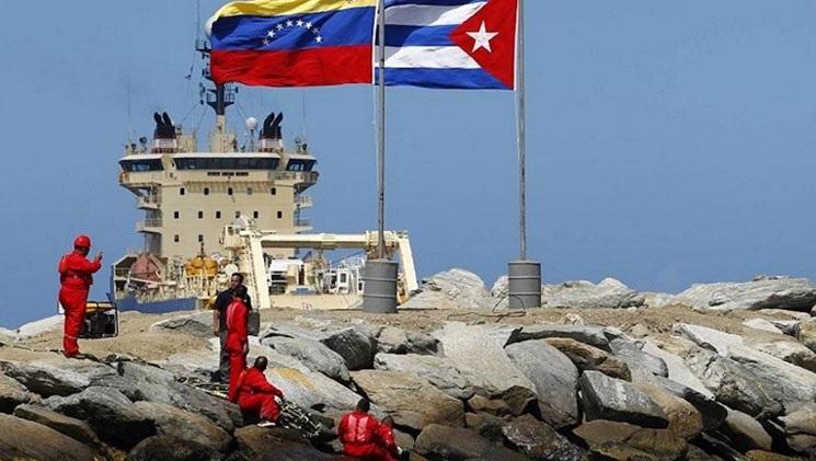 Intercambio de petróleo entre Venezuela y Cuba.