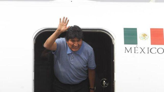Evo Morales al arribar a México en noviembre.