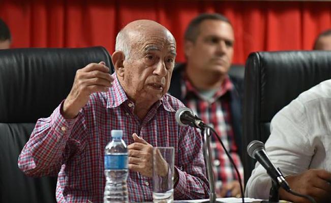 José Ramón Machado Ventura en la reunión de la ANAP.