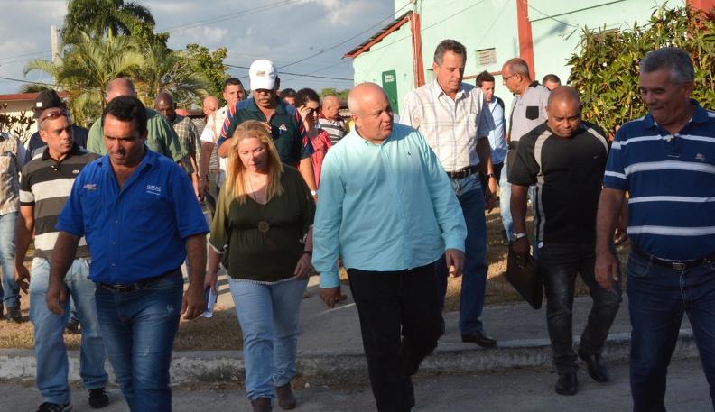 Cuba nombra a su primer ministro del régimen comunista