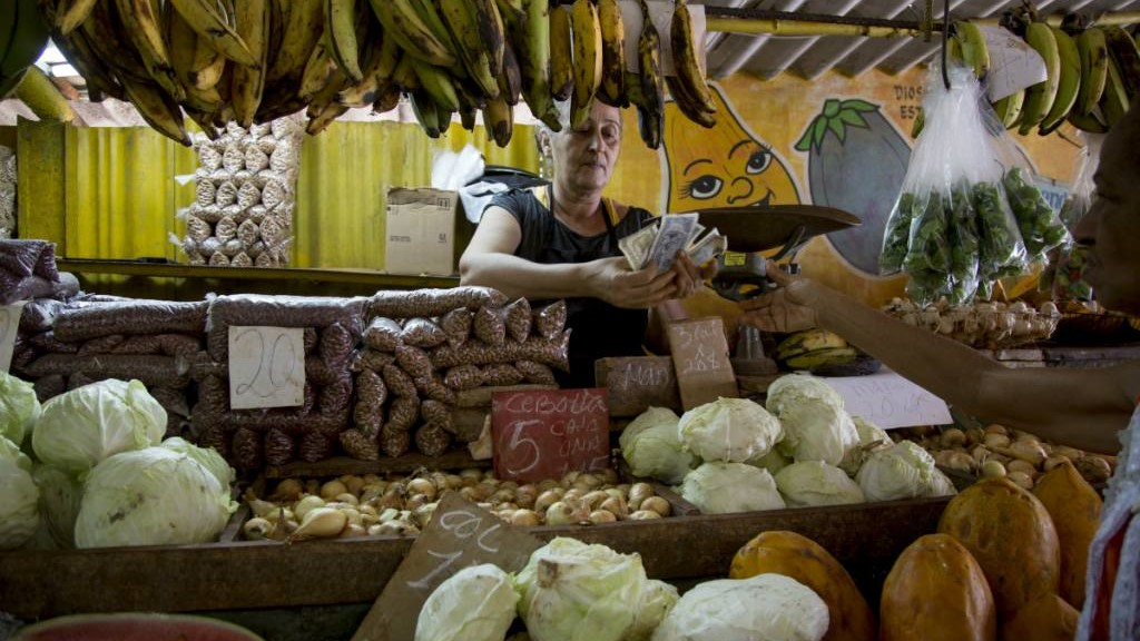 An agricultural market in Cuba.