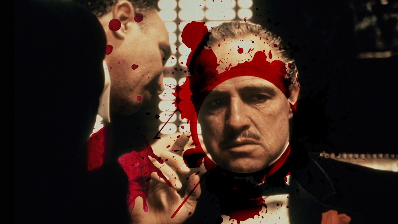 Marlon Brando como Vitto Corleone, en 'El Padrino', y sangre al estilo de Clandestinos.