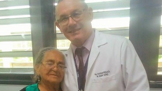 Mueren dos médicos cubanos residentes en Ecuador, víctimas del ...