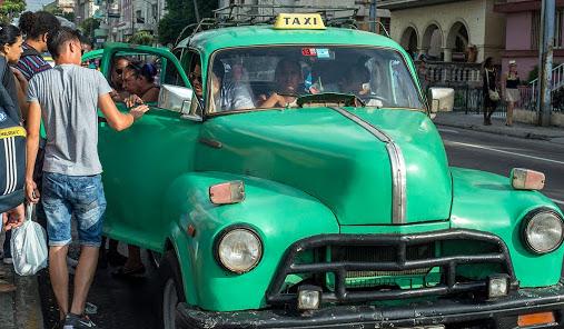En Cuba sólo se podrá comprar combustible a través de tarjetas desechables