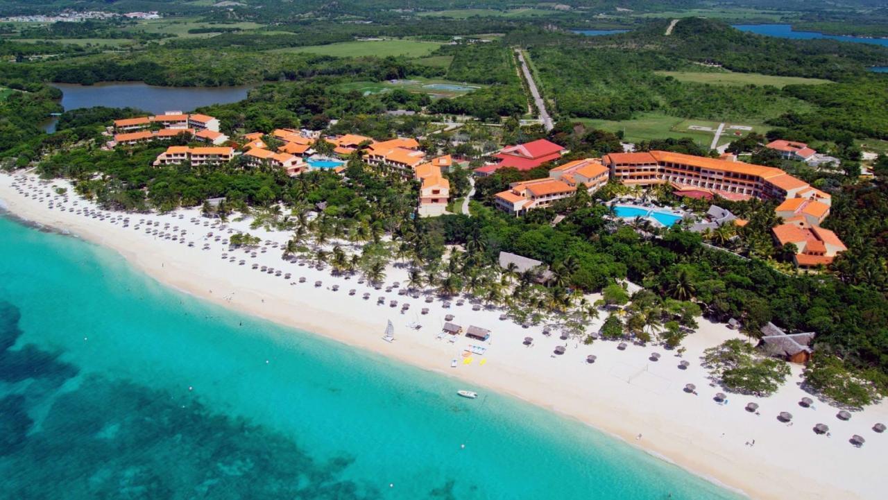 Hotel Sol Rio de Luna y Mares en Playa Esmeralda, Holguín.