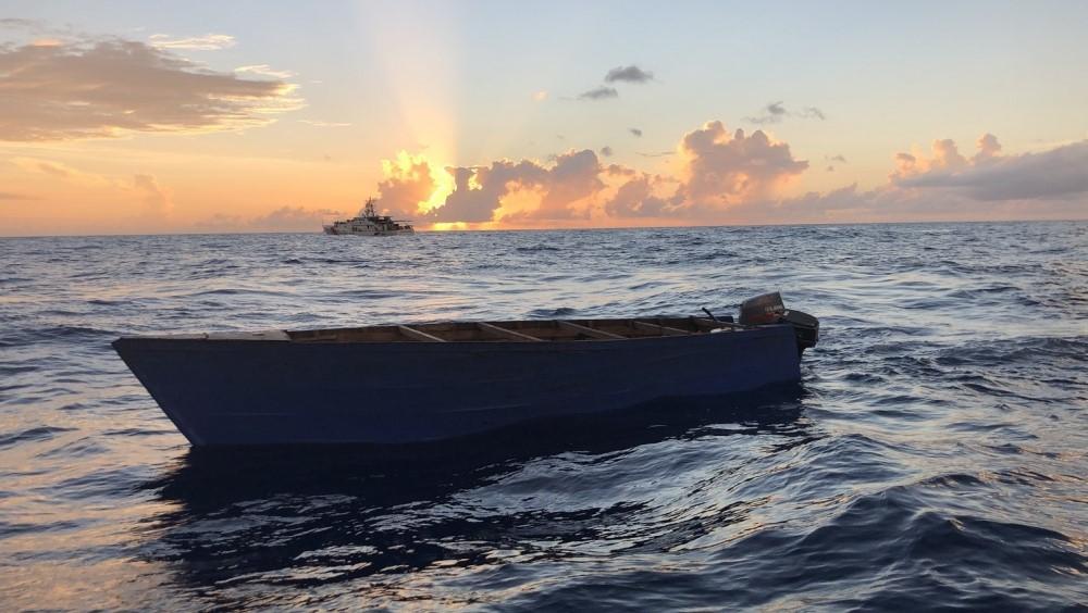 Los guardacostas de EEUU repatrían a 16 balseros cubanos interceptados en  el mar | DIARIO DE CUBA