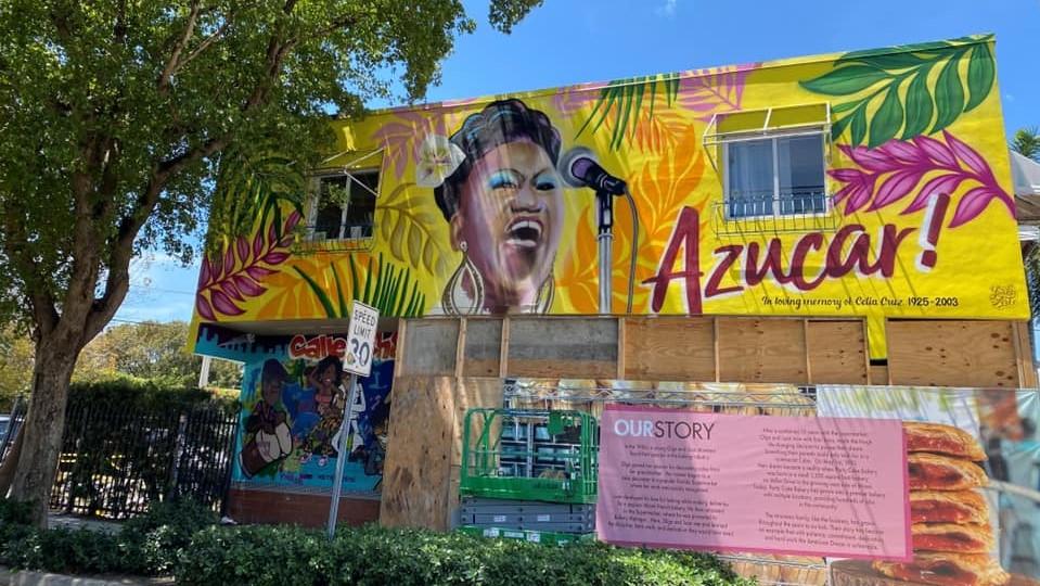 Mural de Celia Cruz en la Calle Ocho de la Pequeña Habana, Miami.
