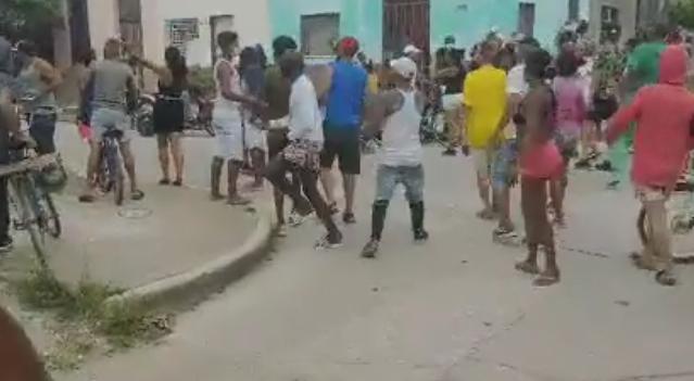 Protesta en Camagüey entre tiros y pedradas.