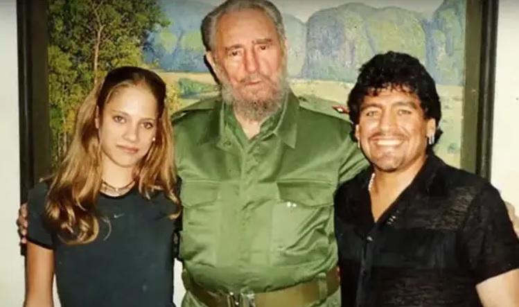 Mavys Álvarez, Fidel Castro y Diego Armando Maradona en Cuba.