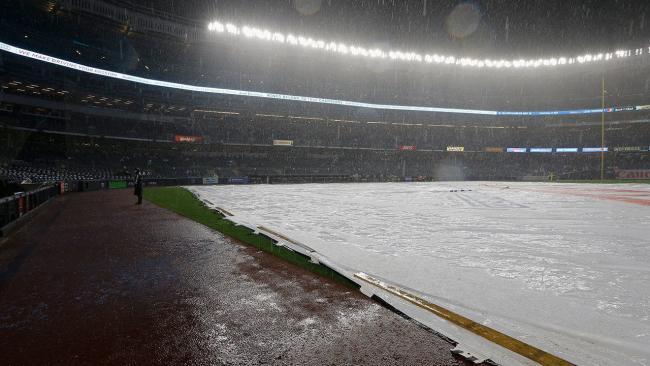 Lluvia en el Yankee Stadium.