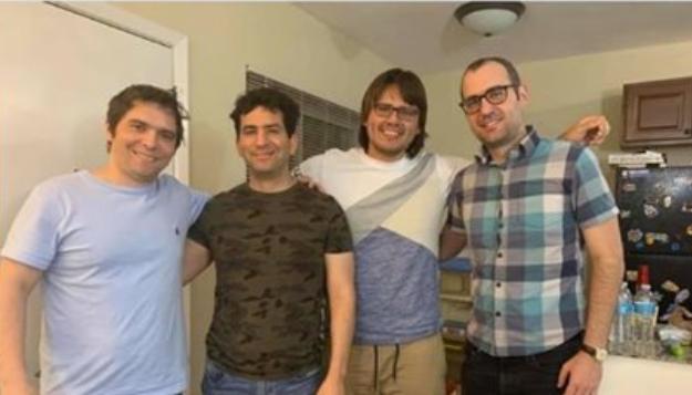 Los ajedrecistas cubanos Lázaro Bruzón (I), Yuniesky Quezada (2-I) y Leinier Domínguez (D) el Día de los Padres..