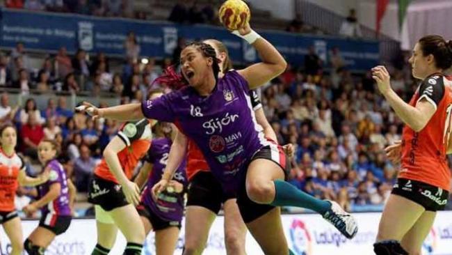 Lorena Téllez juega en el Liberbank Gijón, de la primera división de España.