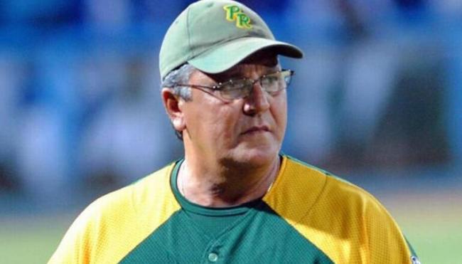 Juan Castro durante su etapa como manager de Pinar del Río.