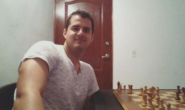 El Gran Maestro de ajedrez Roberto García Pantoja.