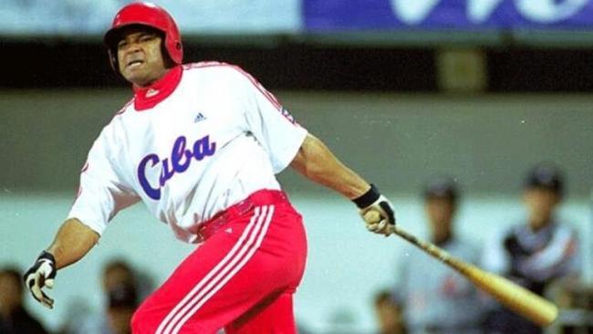 Antonio Pacheco vistiendo el uniforme del Equipo Cuba.